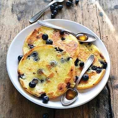 pancakes-sans-gluten-aux-myrtilles-plancha-eno